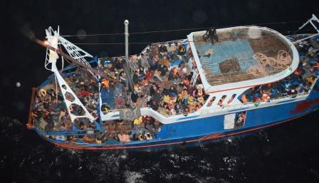 migrant vessel low res